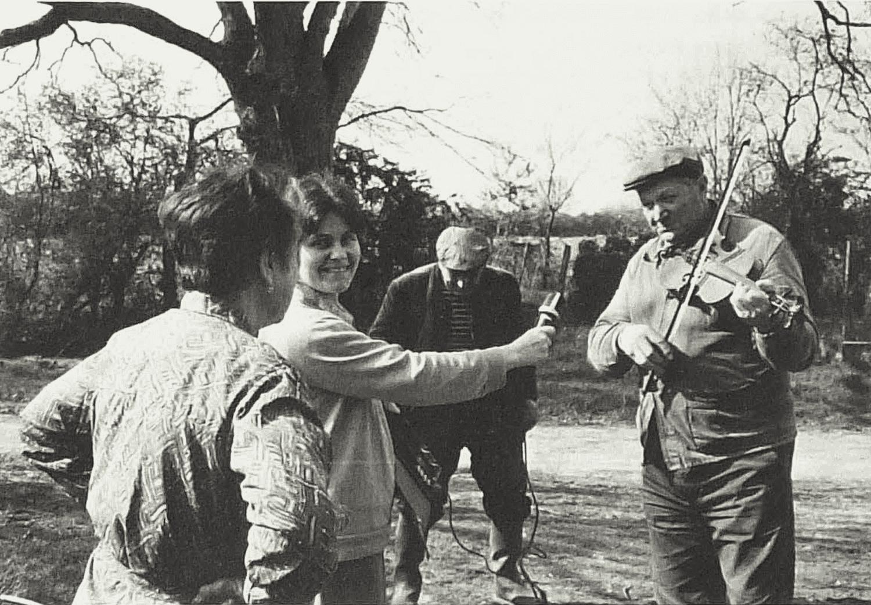 Solange Sainturat. Michèle Valière, Monsieur Sainturac. Serge Girault (de gauche à droite sur la photo}. Cliché Monique Leyssène, 13 avril 1983.
