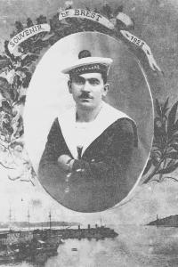 Louis PIARD durant son service militaire dans la marine. (Cl. Famille PIARD).