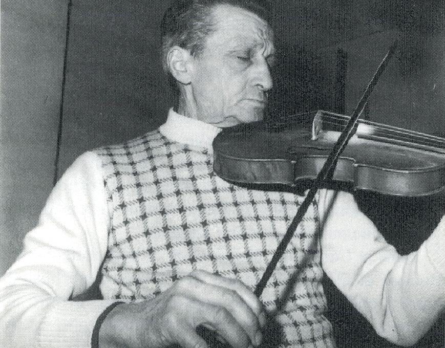 Marius Huguet joue un avant-deux
